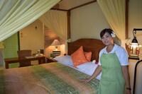 Honeymoon Suite, 1 Queen Bed