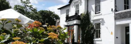 . Castlecary House Hotel