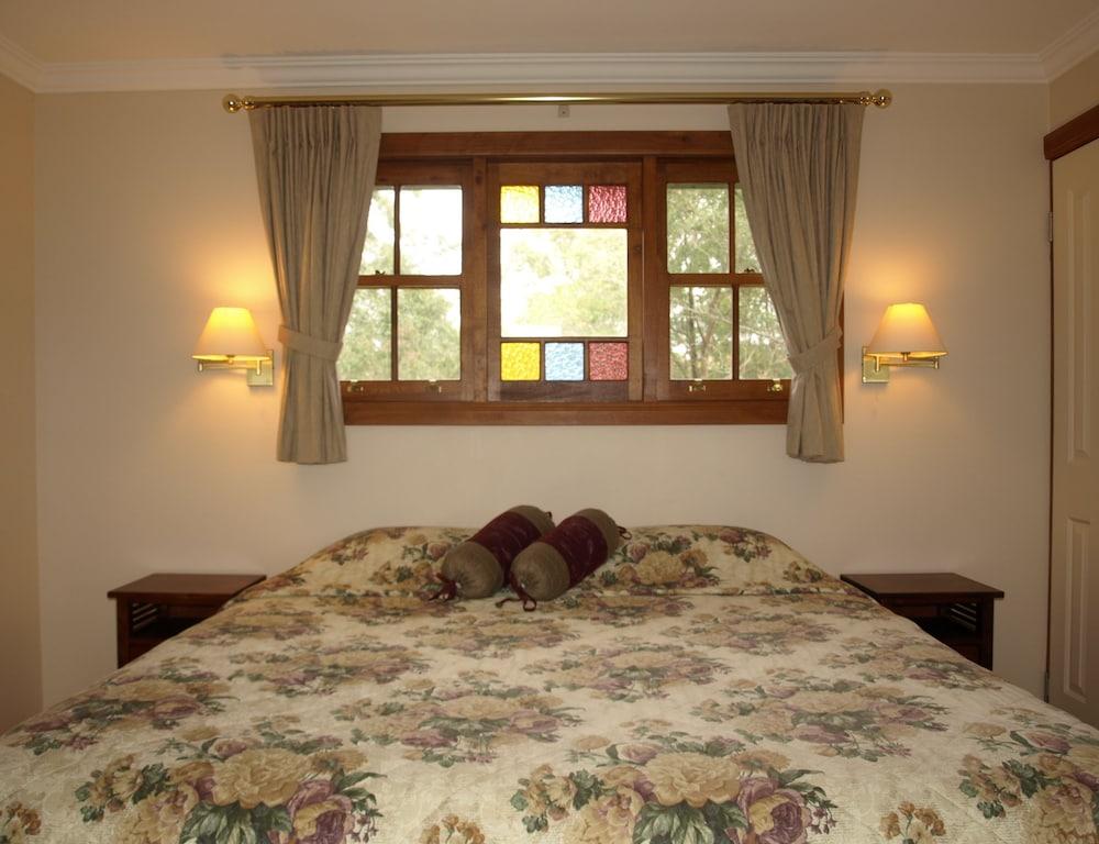 https://i.travelapi.com/hotels/4000000/3940000/3938900/3938873/88b8496f_z.jpg