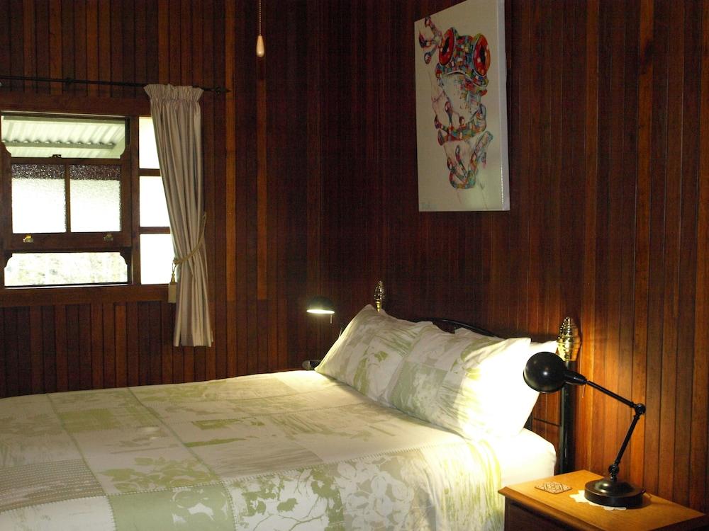 https://i.travelapi.com/hotels/4000000/3940000/3938900/3938873/c20714d8_z.jpg