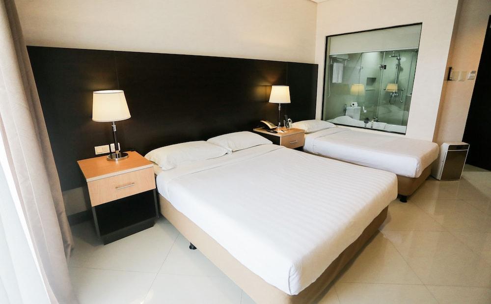 https://i.travelapi.com/hotels/4000000/3950000/3940900/3940858/72464dc7_z.jpg