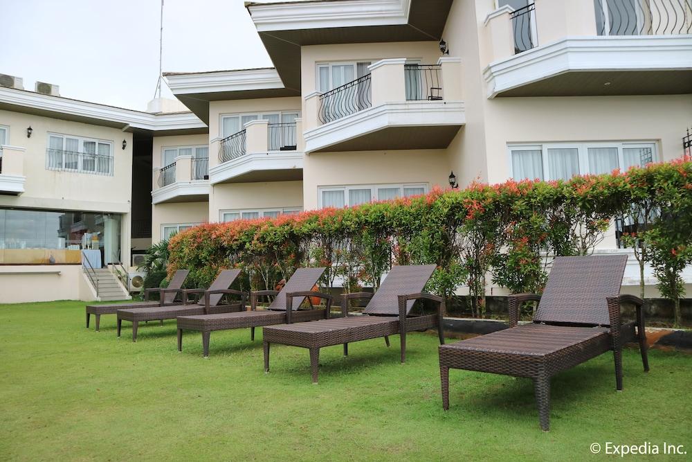 https://i.travelapi.com/hotels/4000000/3950000/3940900/3940858/c2ef2f1c_z.jpg