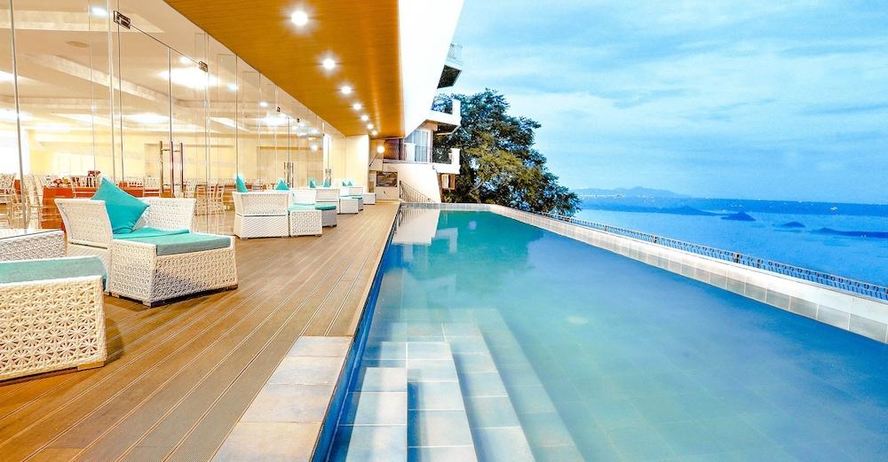 https://i.travelapi.com/hotels/4000000/3950000/3940900/3940858/c91d6773_z.jpg