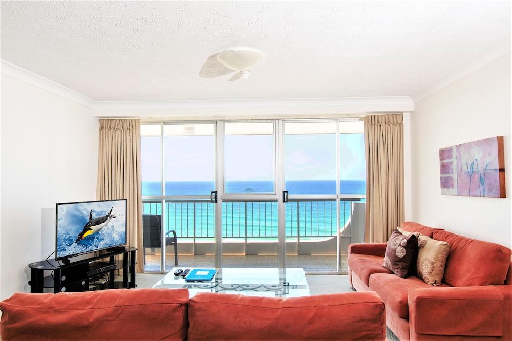 Hotel Cashelmara Beachfront Apartments