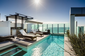 Hotel - Nirvana By The Sea