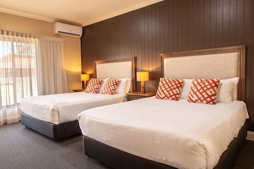 . Nightcap at Archer Hotel