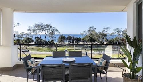 . Bay Royal Apartments