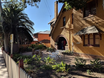Hotel - Burwood Bed And Breakfast