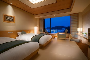 和モダンツイン ベッド2台 34㎡(3名の場合エキストラベッドご利用可)|鳥羽国際ホテル 潮路亭