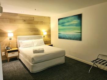 Superior Room, 1 Queen Bed, Accessible, No Windows