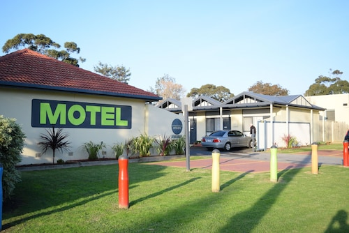 Mornington Motel, Mornington P'sula - West