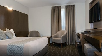 Guestroom at Bankstown Motel 10 in Chullora