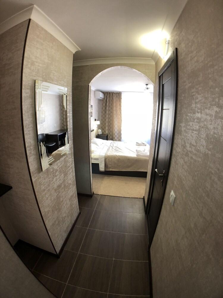 Отель «Нивки»