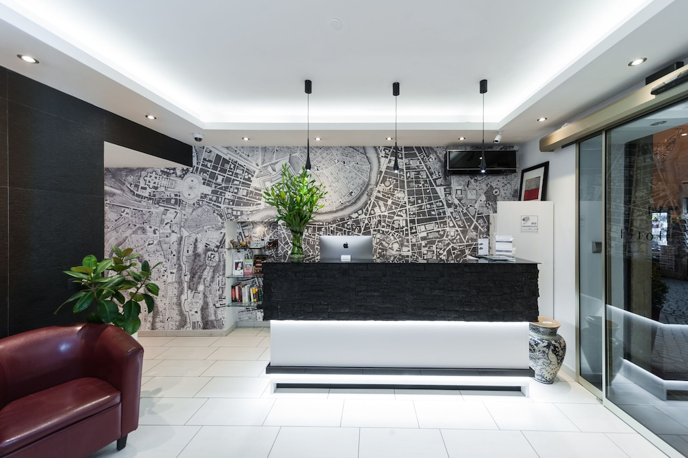 Trevi 41 Hotel, Featured Image