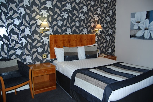 __{offers.Best_flights}__ The Tontine Hotel