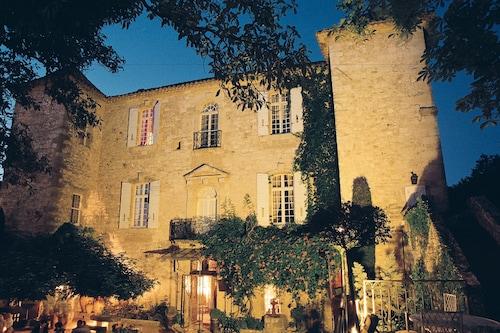 . Château d'Arpaillargues
