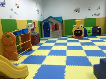 Sheraton Jiangyin Hotel - Childrens Play Area - Indoor  - #0