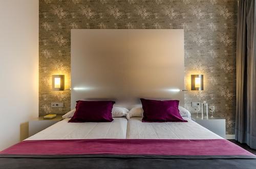Promocje Hotel YIT Vía Sevilla Mairena