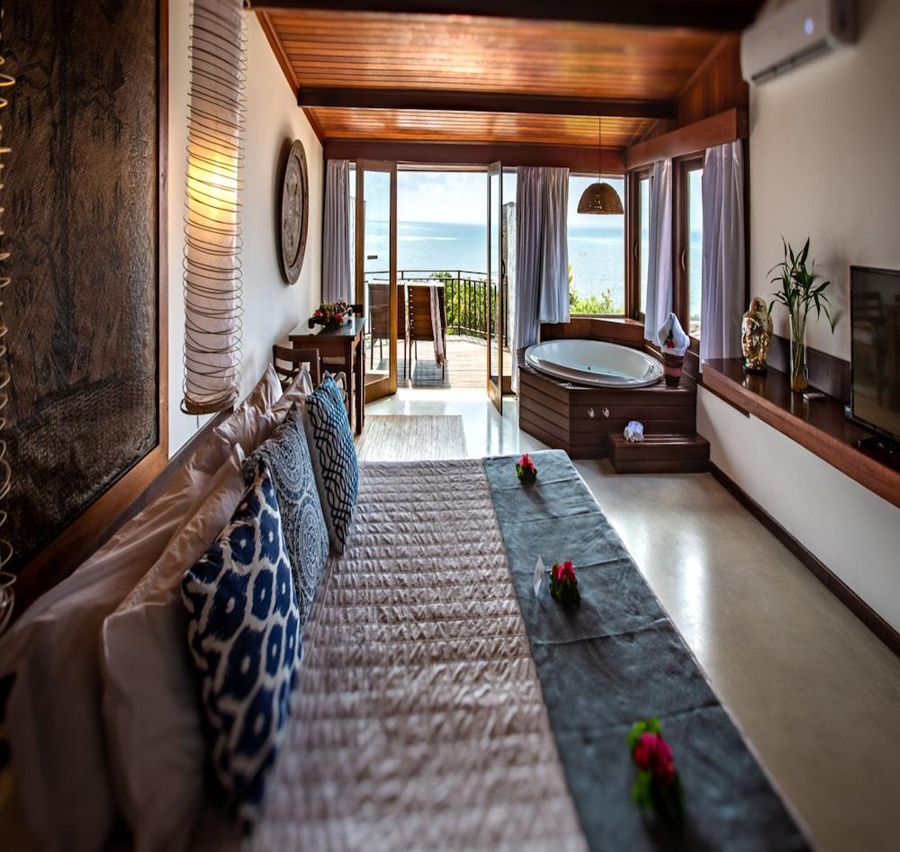 https://i.travelapi.com/hotels/4000000/3960000/3957900/3957851/692deb10_z.jpg