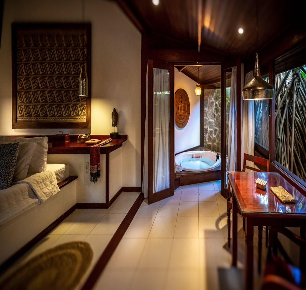 https://i.travelapi.com/hotels/4000000/3960000/3957900/3957851/8029b103_z.jpg