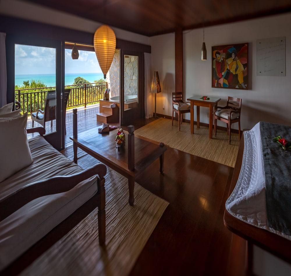 https://i.travelapi.com/hotels/4000000/3960000/3957900/3957851/9f6cc11c_z.jpg