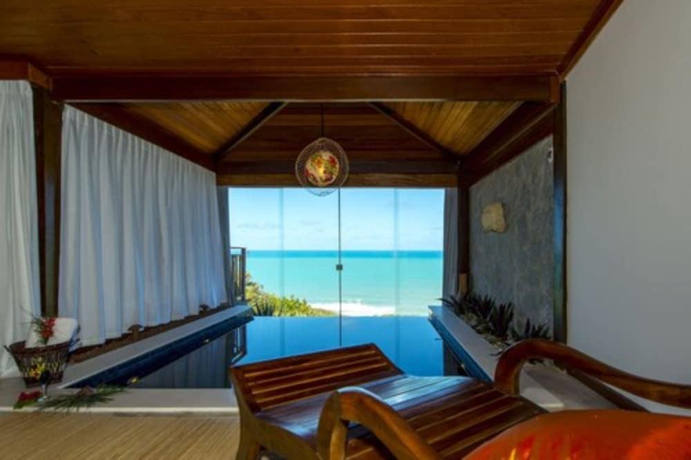 https://i.travelapi.com/hotels/4000000/3960000/3957900/3957851/b9aae2b2_z.jpg