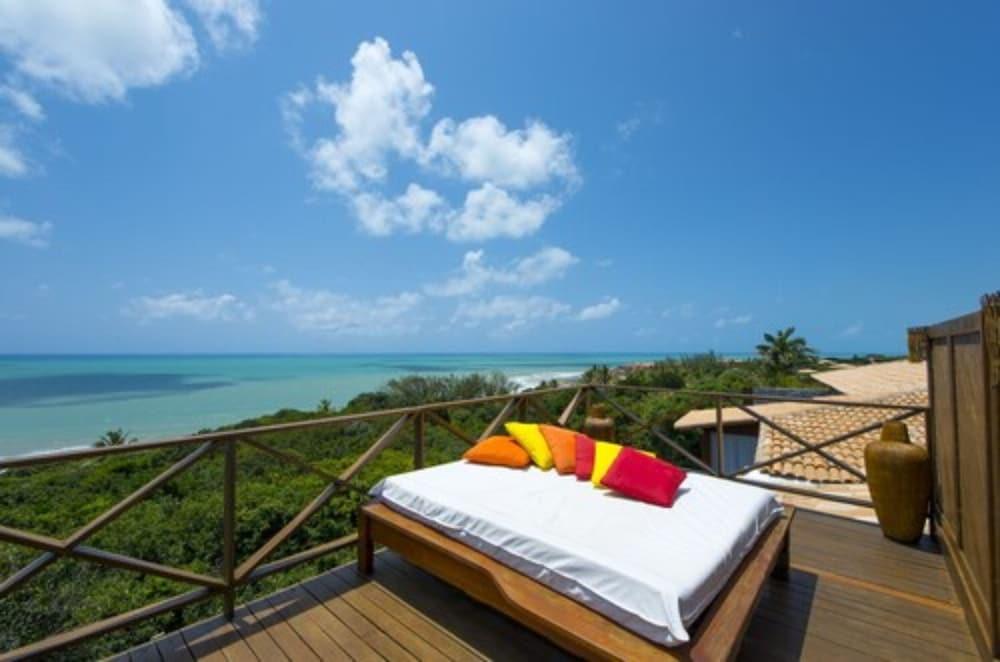 https://i.travelapi.com/hotels/4000000/3960000/3957900/3957851/bc1cc9de_z.jpg