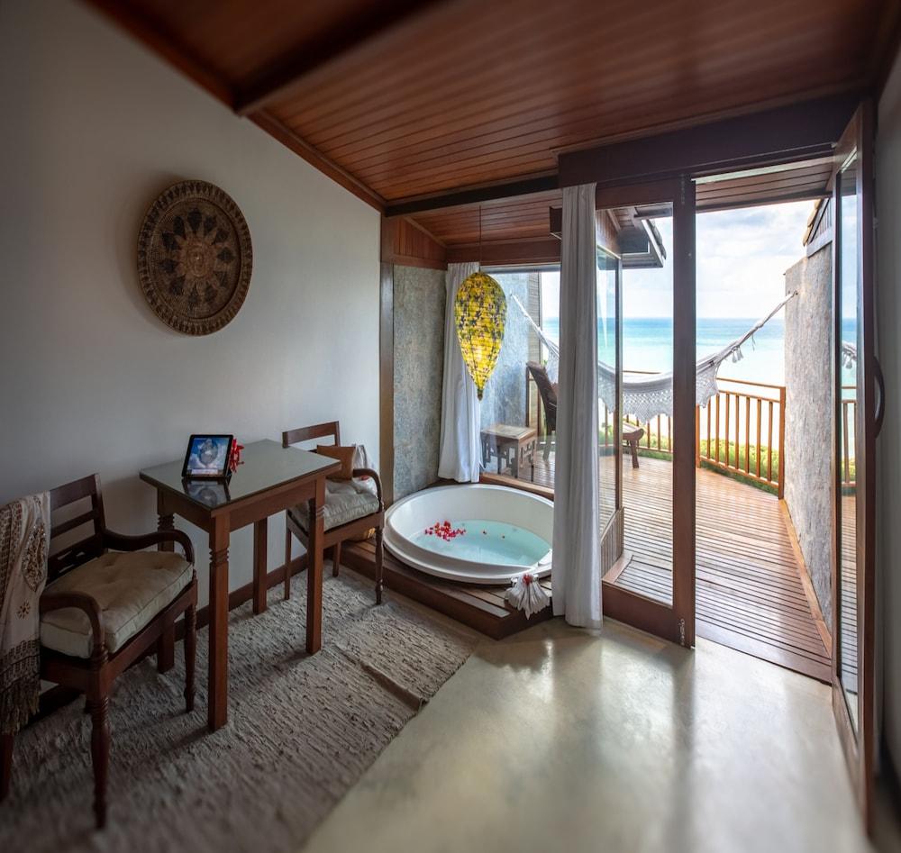 https://i.travelapi.com/hotels/4000000/3960000/3957900/3957851/bfaffc65_z.jpg
