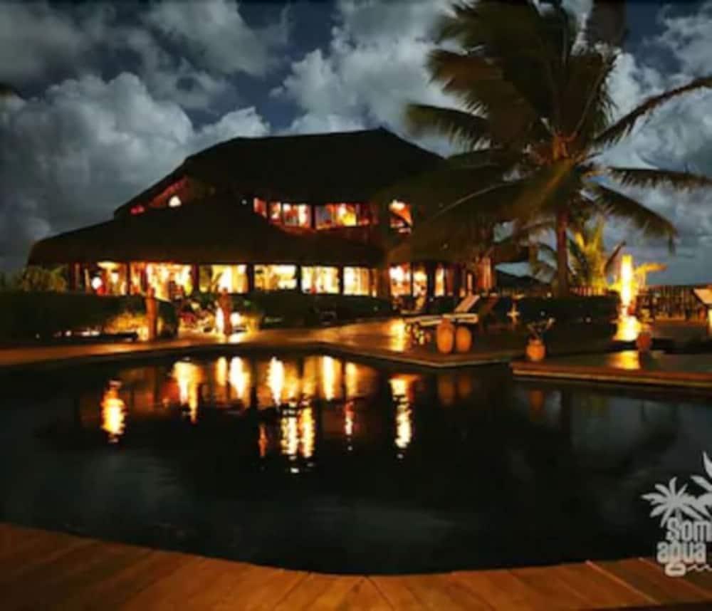 https://i.travelapi.com/hotels/4000000/3960000/3957900/3957851/d6dfa09a_z.jpg