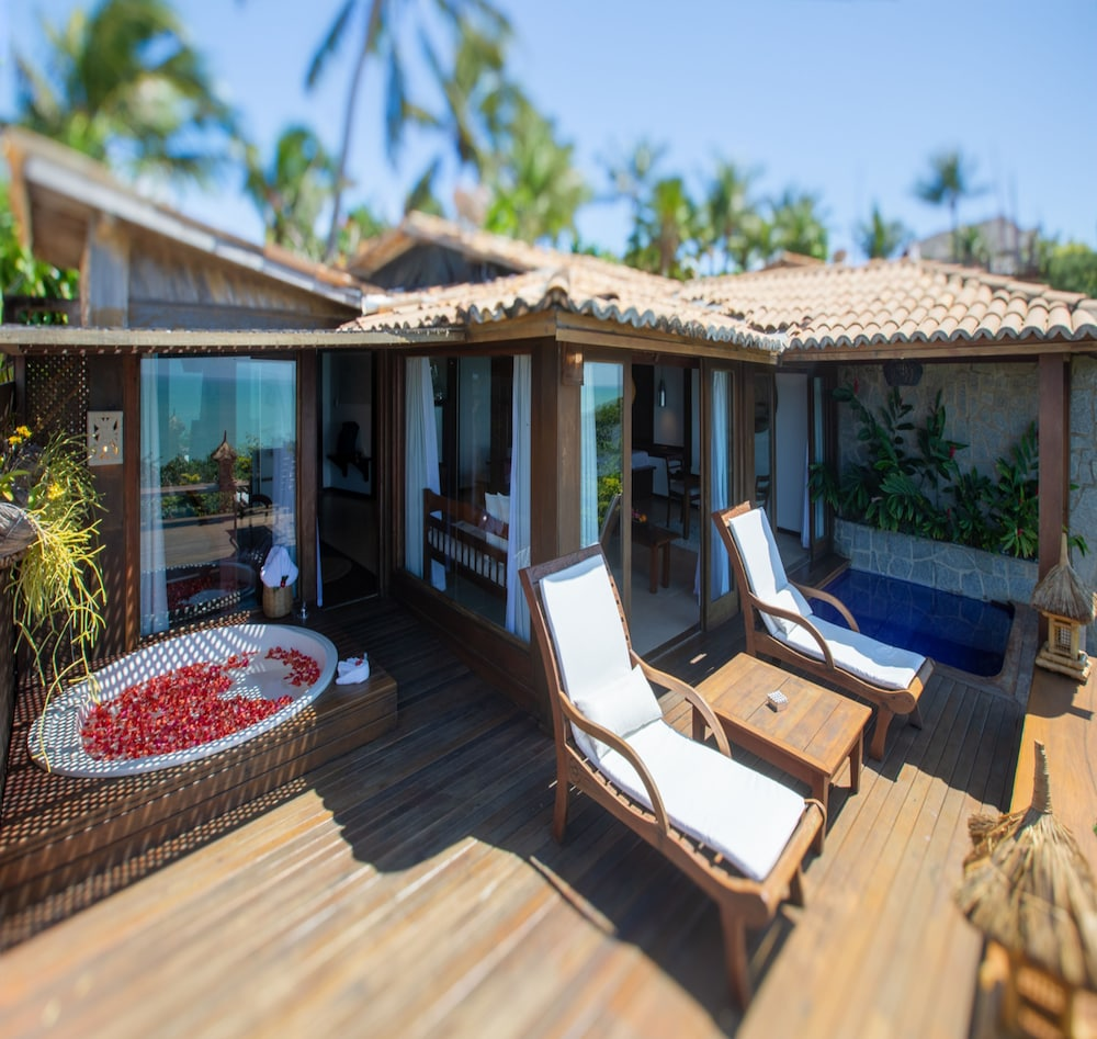 https://i.travelapi.com/hotels/4000000/3960000/3957900/3957851/f5e6bd77_z.jpg