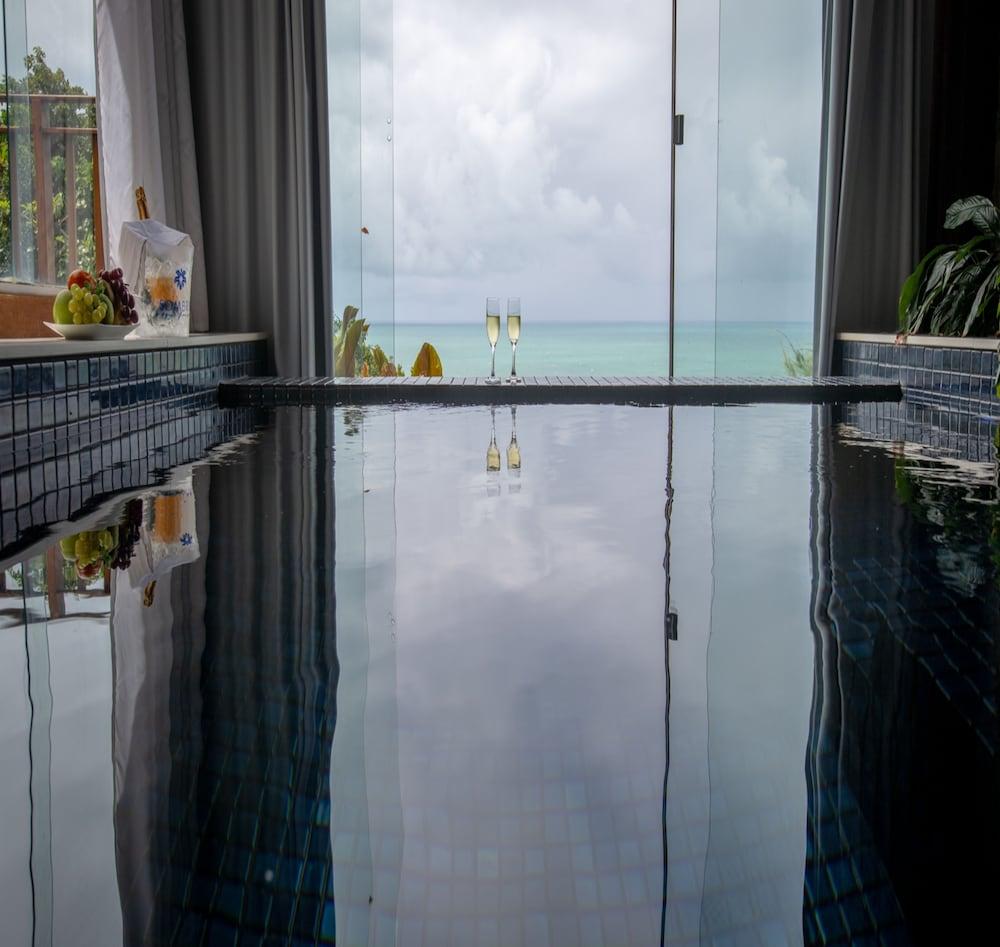 https://i.travelapi.com/hotels/4000000/3960000/3957900/3957851/fc78eca2_z.jpg