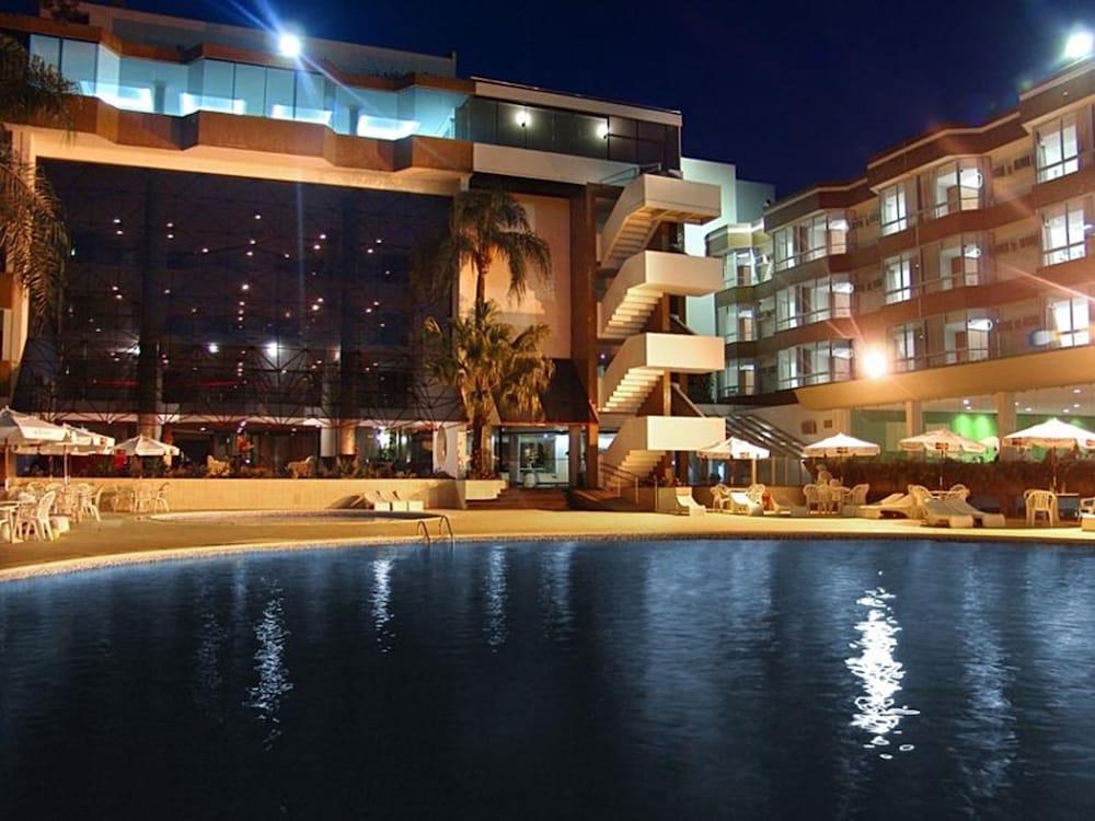 하파인 팰리스 호텔 & 컨벤션 센터(Rafain Palace Hotel & Convention Center) Hotel Image 54 - Hotel Front - Evening/Night