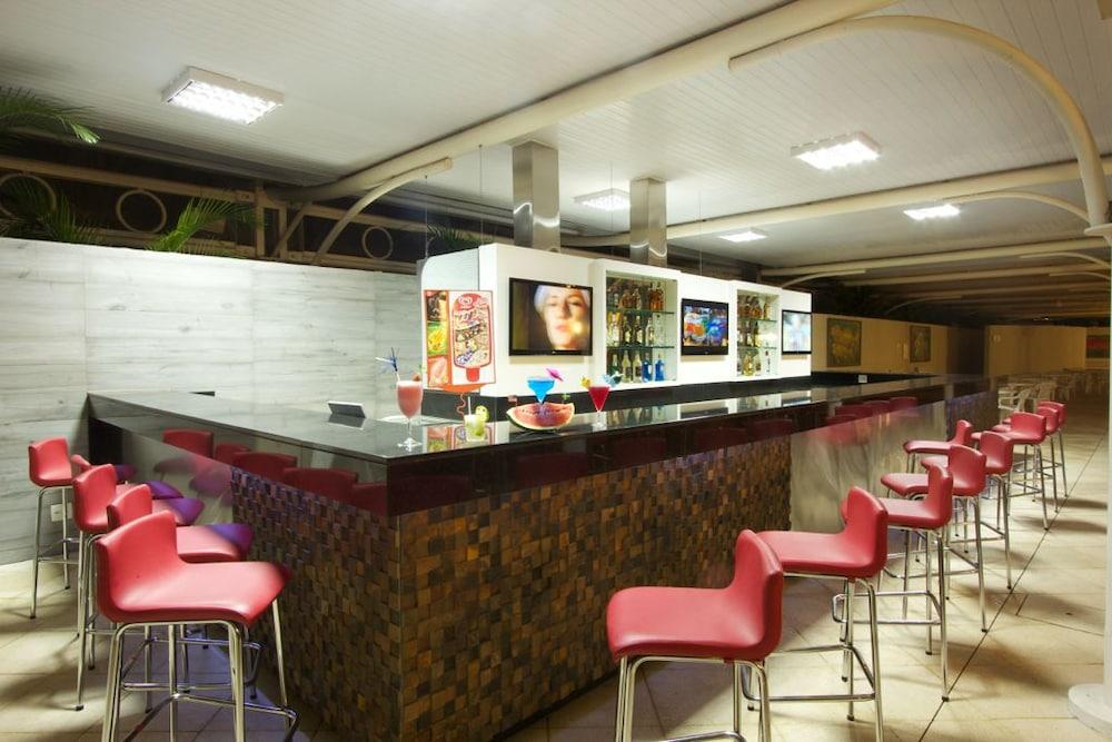 하파인 팰리스 호텔 & 컨벤션 센터(Rafain Palace Hotel & Convention Center) Hotel Image 45 - Sports Bar