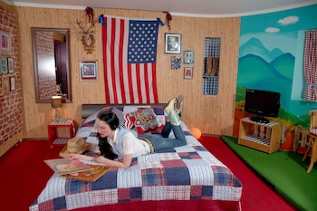 Double Room (DollyWould)
