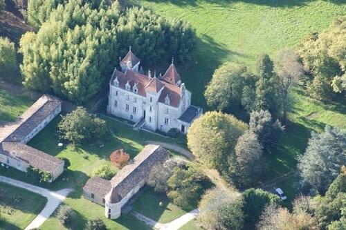 . Château des Salles
