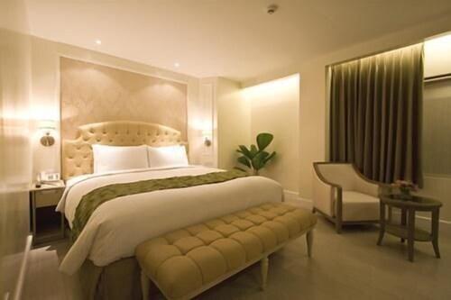 Hotel St. Ellis, Legazpi City