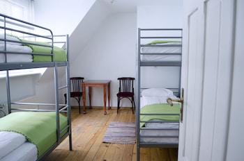 4-bed dorm with private wc