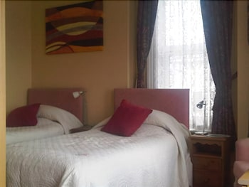 Double or Twin Room, Ensuite, Sea View