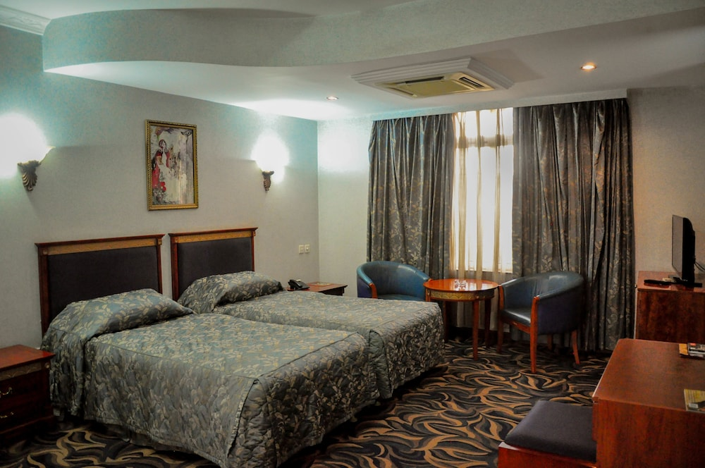 The City Royal Resort Hotel, Kampala