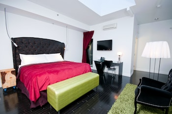 Standard Room, 1 King or 1 Queen Bed