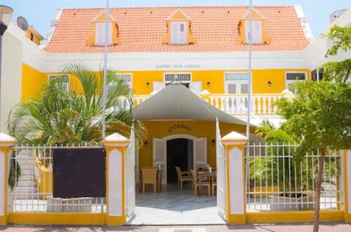 . Academy Hotel Curacao