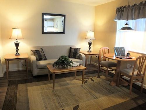 . Affordable Corporate Suites of Waynesboro