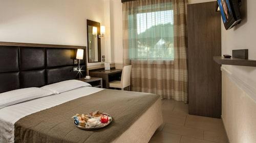 . Hotel Artis
