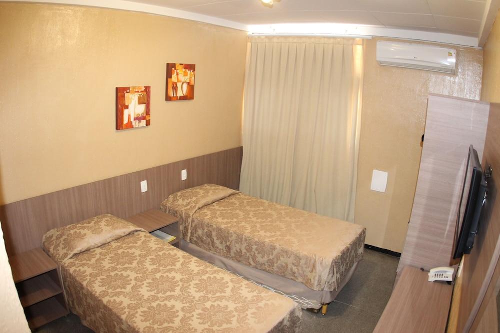 아무아라마 호텔(Amuarama Hotel) Hotel Image 7 - Guestroom