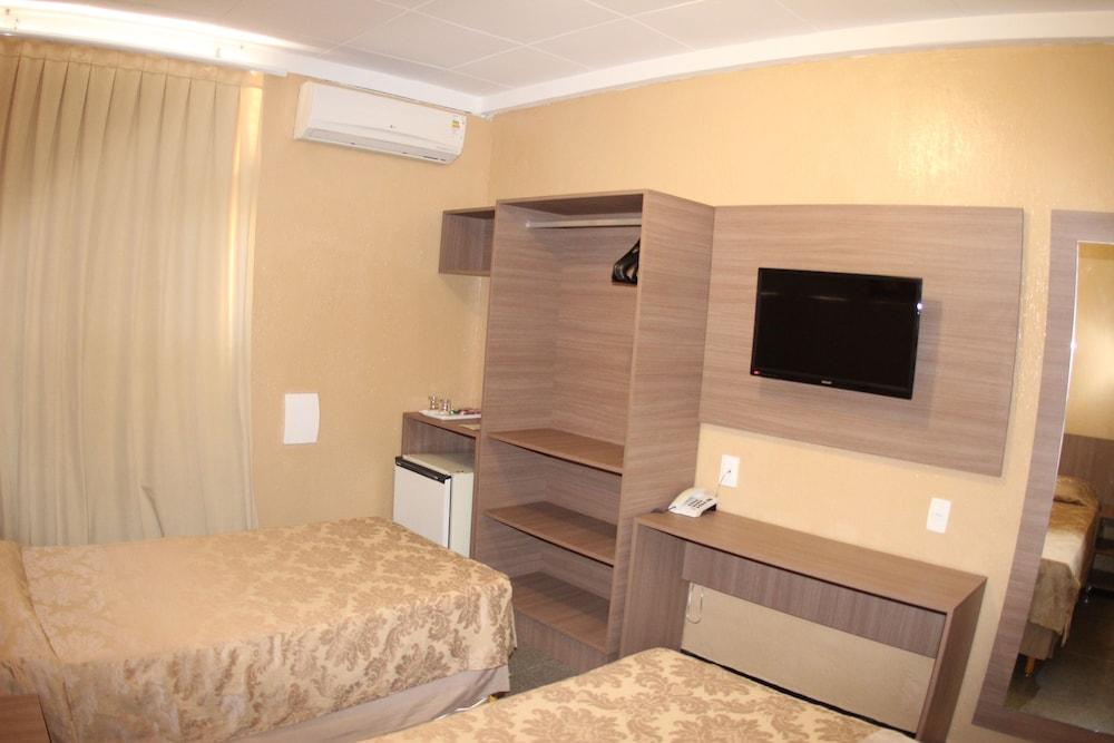 아무아라마 호텔(Amuarama Hotel) Hotel Image 23 - Guestroom