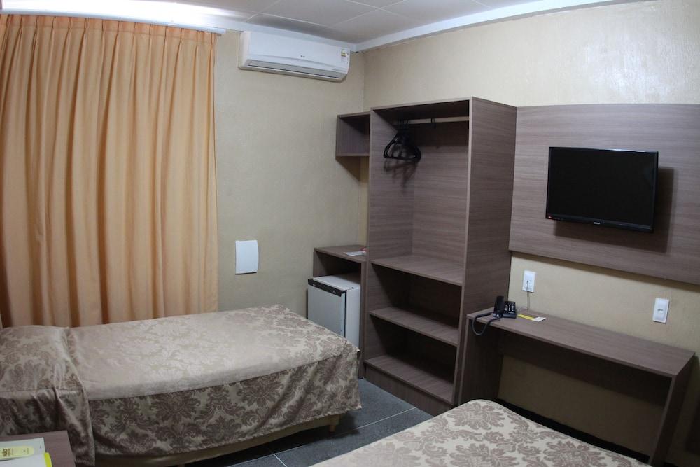 아무아라마 호텔(Amuarama Hotel) Hotel Image 19 - Guestroom