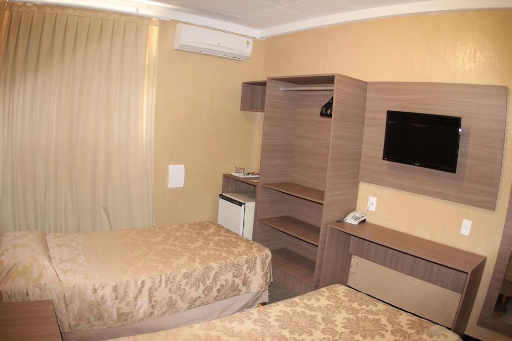 아무아라마 호텔(Amuarama Hotel) Hotel Image 11 - Guestroom