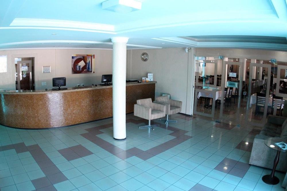 아무아라마 호텔(Amuarama Hotel) Hotel Image 4 - Reception