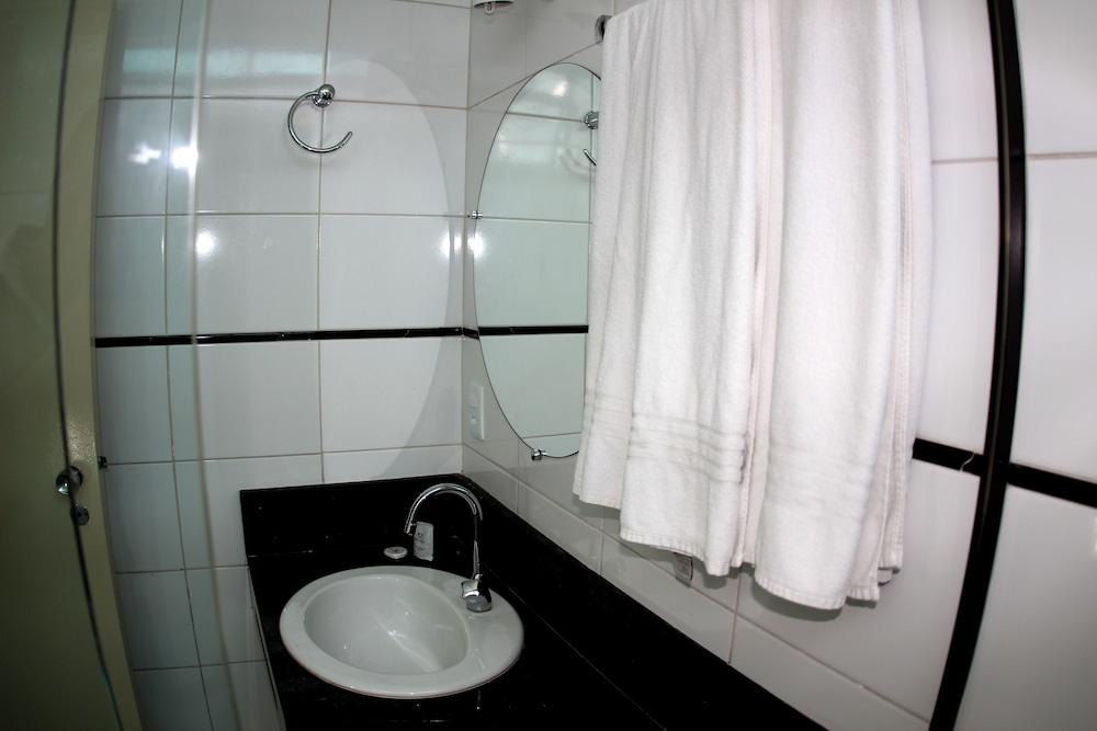 아무아라마 호텔(Amuarama Hotel) Hotel Image 24 - Guestroom