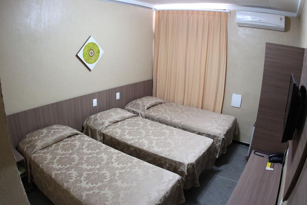 아무아라마 호텔(Amuarama Hotel) Hotel Image 8 - Guestroom